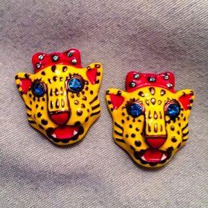 """Betsy Johnson """"Pretty Kitty"""" Stud Earrings 😻"""